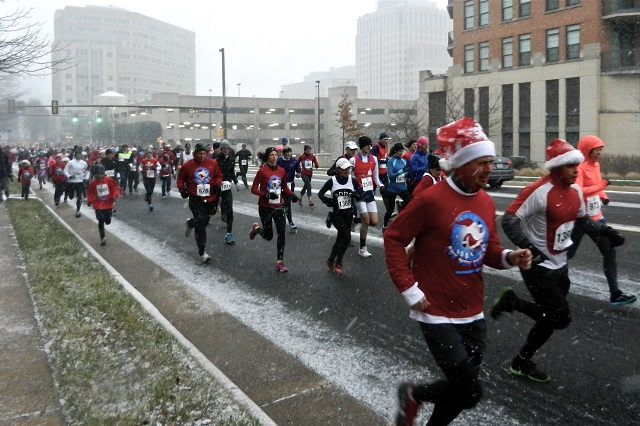 It was lovely weather for a 5k together with more than 1600 runners in Reston at the Run with Santa 5k. Photo: Rachael Burke