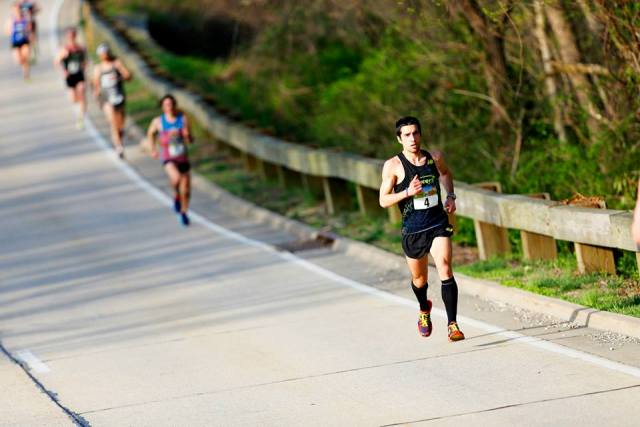 Matt Barresi cruises toward Alexandria on his way to a third place finish at the George Washington Parkway Classic. Photo: Brian W. Knight/Swim Bike Run Photography.