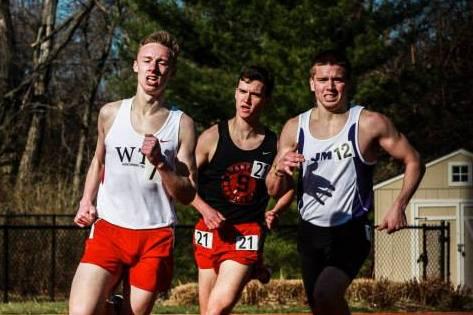 Stanford University student Zach Weinstein, center, competes for the school's running club. Photo: Courtesy of Weinstein
