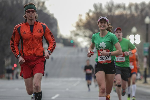 Robert McManmon runs the Rock 'n' Roll USA Marathon with his wife, Mary. Photo: Bruce Buckley