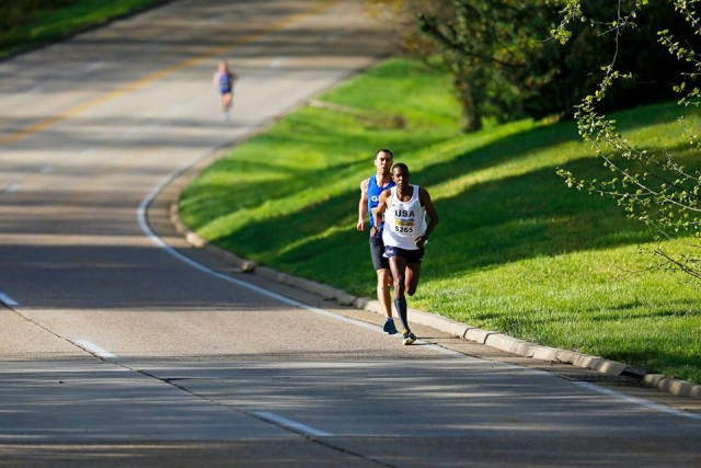 Will Christian leads Kevin McNab down the George Washington Parkway. Photo: Brian W. Knight/ Swim Bike Run Photography