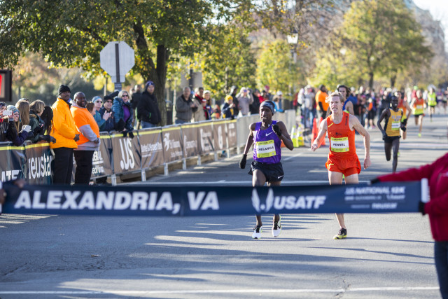 Sam Chelanga holds off Tyler Pennel for the .US 12k Championships title. Photo: Dustin Whitlow/D. Whit Photography