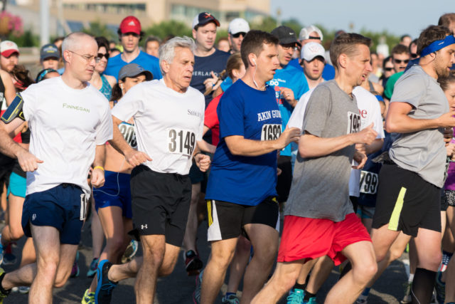 Runners at the 2016 Lawyers Have Heart 10k. Photo by Cheryl Young